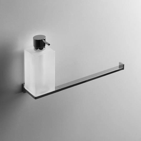 designer wand seifenspender look eckig quadro glasgef mit handtuchstange massiv chrom. Black Bedroom Furniture Sets. Home Design Ideas